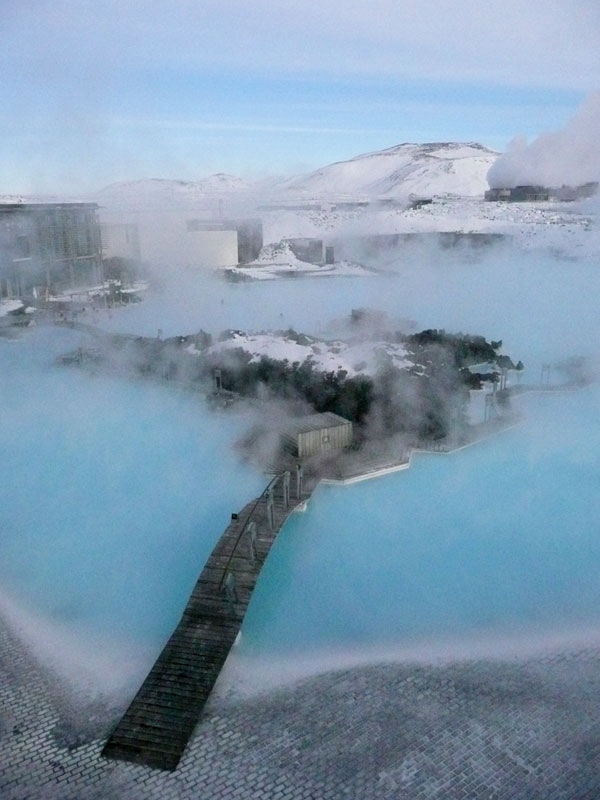 travel-news-2009-hot-blue-lagoon-iceland-full