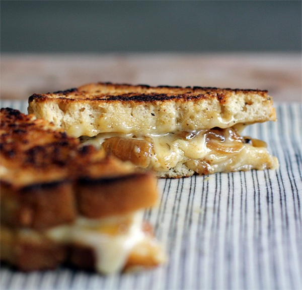 beer-cheese-sandwich-2-honestfare.com_