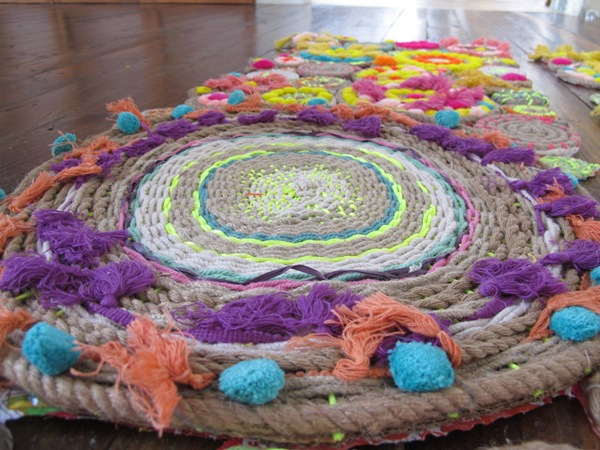 Post image for rope swirl tapestry – giveaway!!