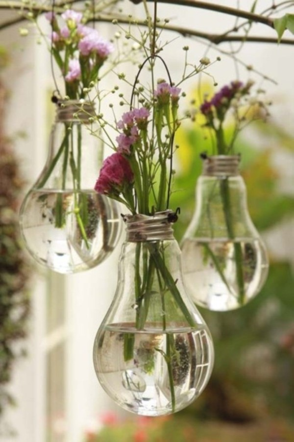 diy-light-bulb-vase