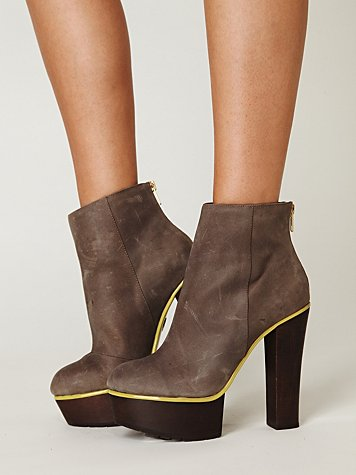 Post image for Thursday Poll: High-Heeled Ankle Boots