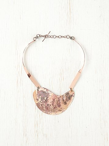 tarnished rose collar