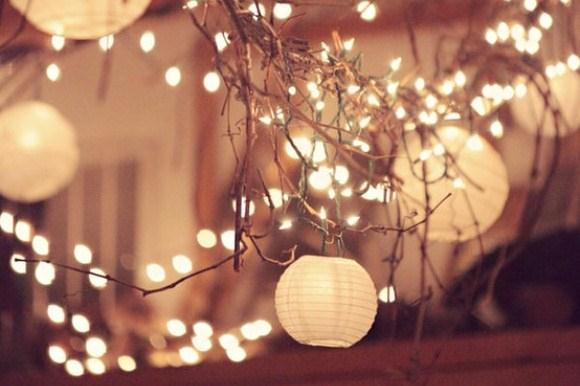 Post image for Simple Decorating For Your End-Of-Summer Party: String Lights