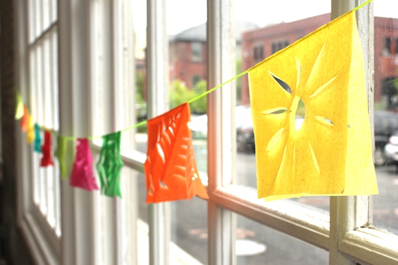 Post image for DIY Fiesta Garland