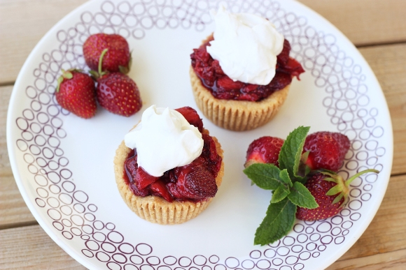 vegan strawberry tarts
