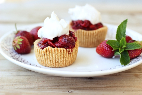Post image for Gluten-Free Vegan Roasted Balsamic Strawberry Tarts with Whipped Coconut Cream