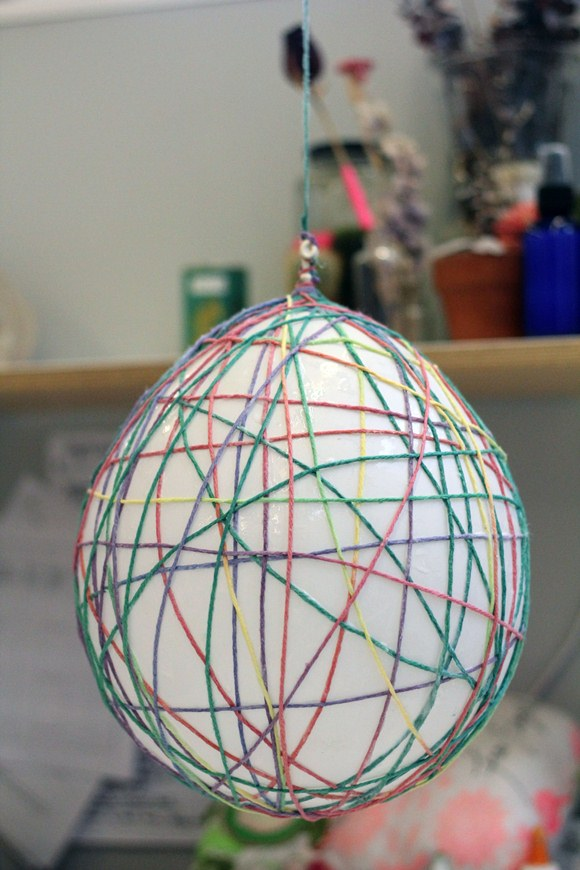 Home Décor DIY – DIY Yarn Lanterns – DIY Thought Bubbles | Free