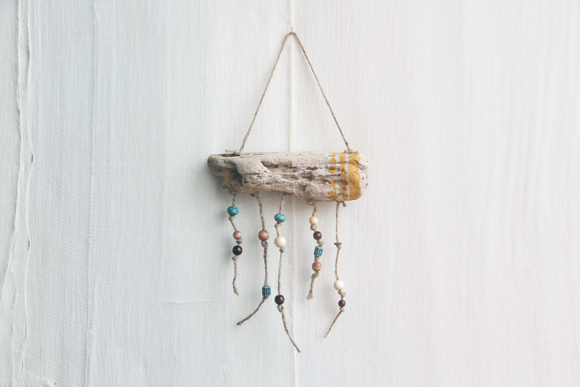 Diy hanging driftwood workout tracker motivate decorate solutioingenieria Choice Image