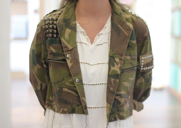 Post image for DIY Inspiration: Extremely Studded Military Jacket