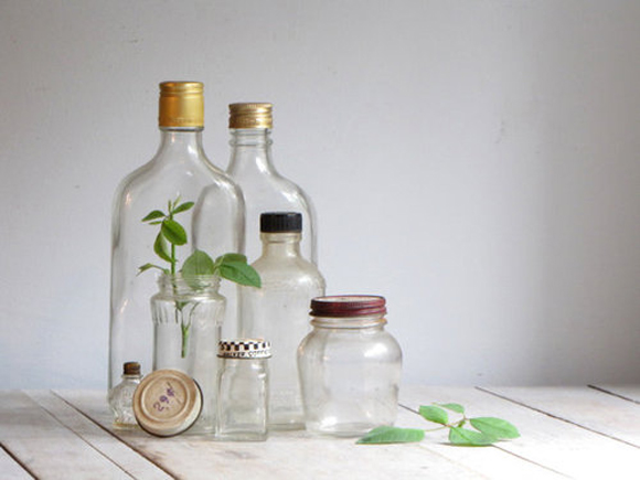 Décor Crush: Vintage Glass Containers & How To Use Them  Source: Home Decor Ideas – Décor Crush: Vintage Glass Containers & How To Use Them http://blog.freepeople.com/2012/09/dcor-crush-vintage-glass-containers/#ixzz3CO8BBEJY