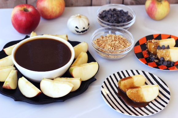 Post image for Vegan Caramel Apple Dipping Sauce (Gluten-Free)