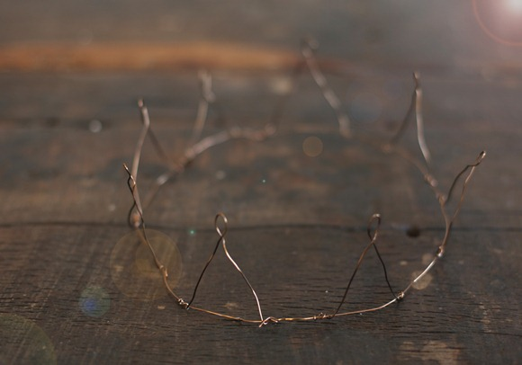 Post image for DIY Wire Crown