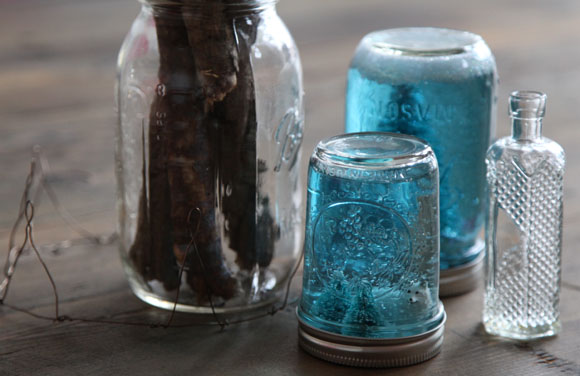 Post image for DIY Mason Jar Snow Globe