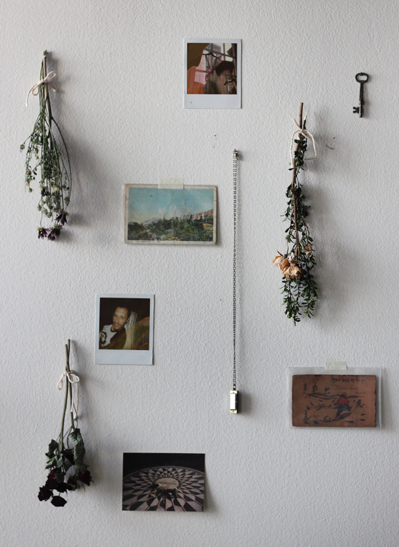 Pictures Of Diy Wall Decor : Diy decor how to use dried flowers