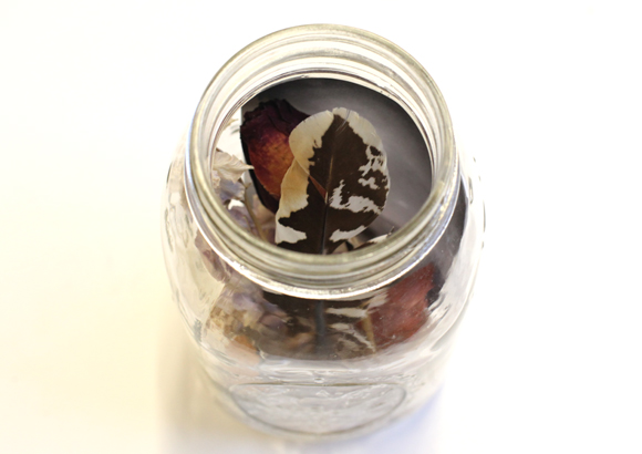 dream jar for new year's resolutions