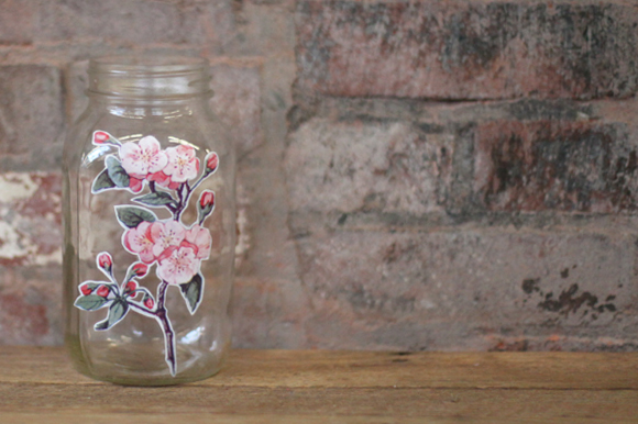 Post image for DIY: Easy Peasy Decoupage Jar