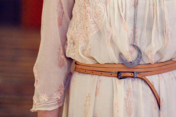 Post image for 2 Ways To Wear 1 Perfect Boho Belt