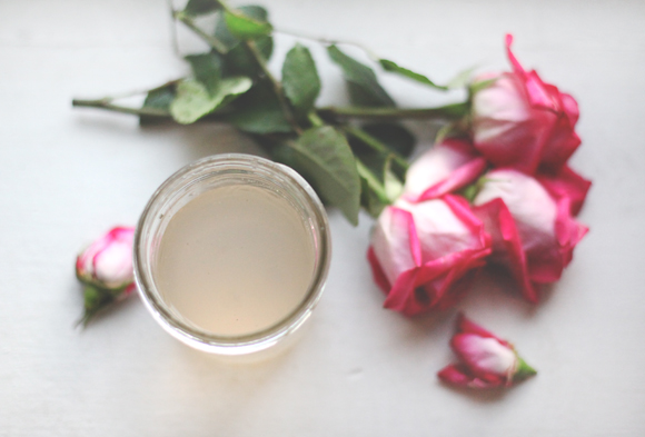 Post image for DIY: How To Make Rose Water