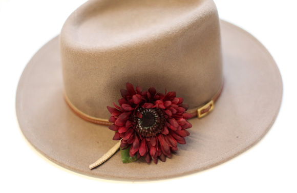 diy flower fedora pin
