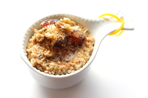 Post image for Happy Foods: Steel Cut Oats With Medjool Dates & Toasted Coconut