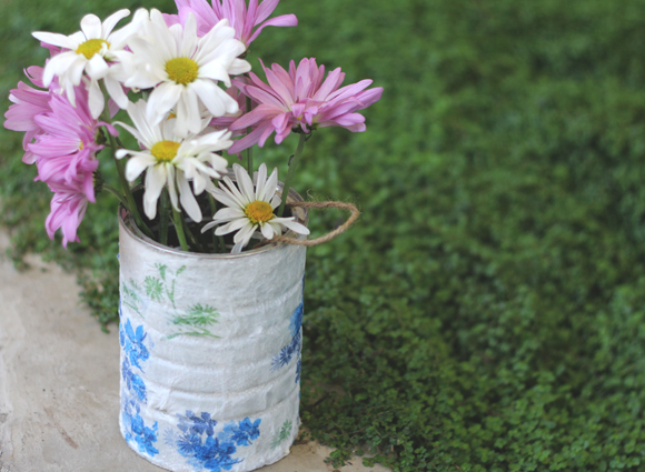 Post image for DIY Decoupage Garden Pail
