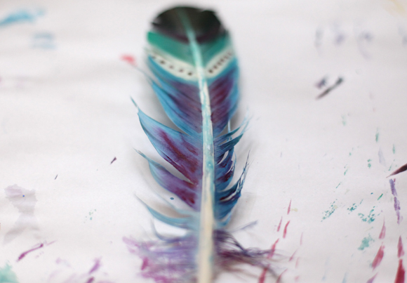 diy-painted-feathers-6