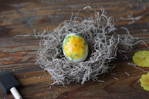 pressed-flower-decoupage-egg