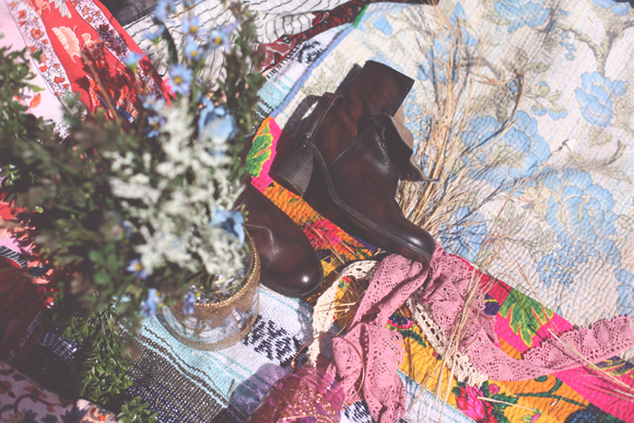 Flowers, boots, tapestries