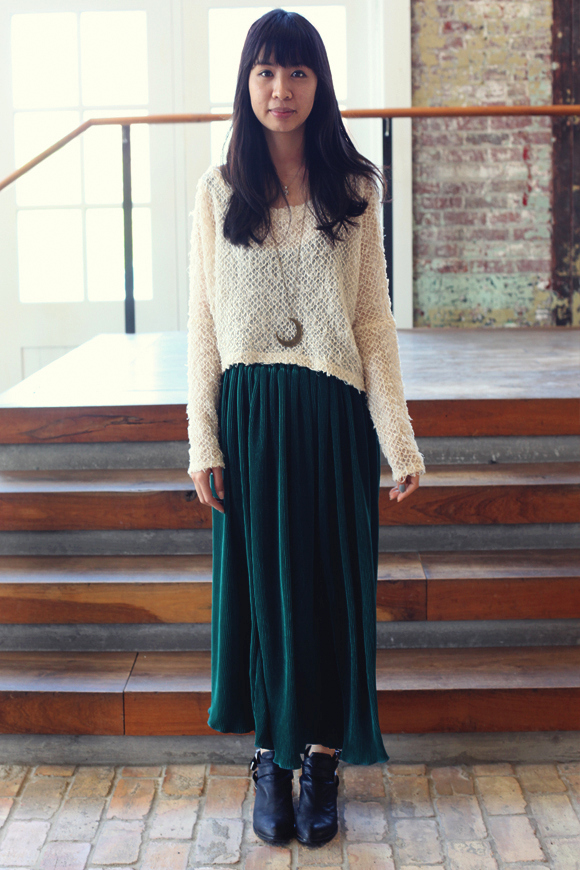 green-skirt-with-white-sweater