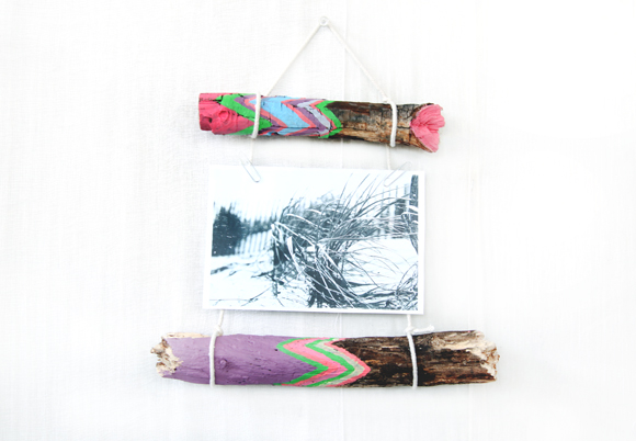 Post image for DIY peint Sticks & Photo Display