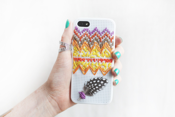 Post image for Free People DIY Embroidered iPhone Case