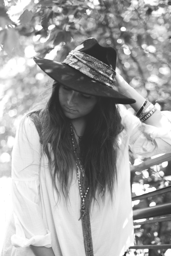 girl in fedora