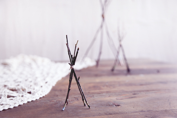 Post image for DIY Twig Tabletop Teepees