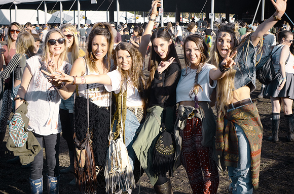festival girls at splendour in the grass