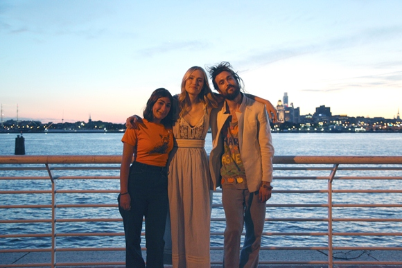 Post image for An Interview With Jade & Nora Of Edward Sharpe & The Magnetic Zeros