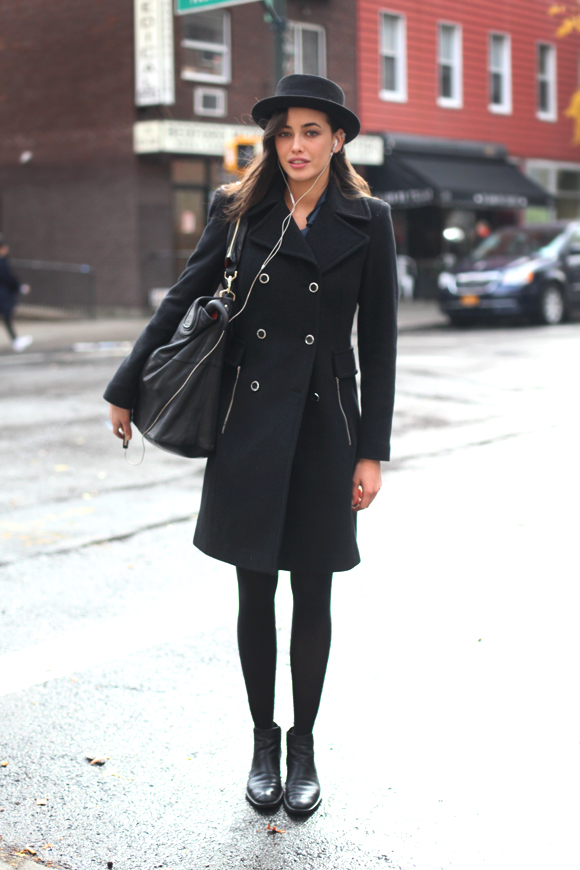 all black trenchcoat outfit
