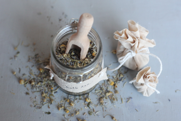 Post image for Last-Minute Gift Idea: How To Make Herbal Bath Teas
