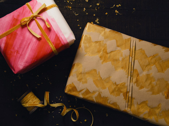 Post image for Paint & Fold: A Last Minute Gift Wrap Idea