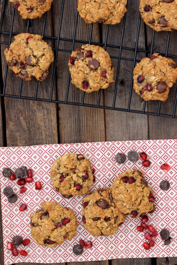 pomegranate oatmeal chocolate chip cookies