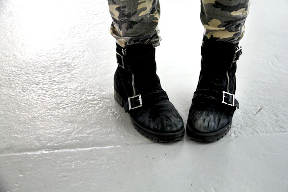 camo pants and boots