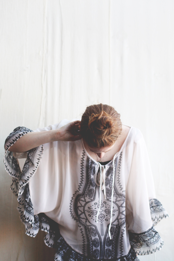 Printed tunic, top knot