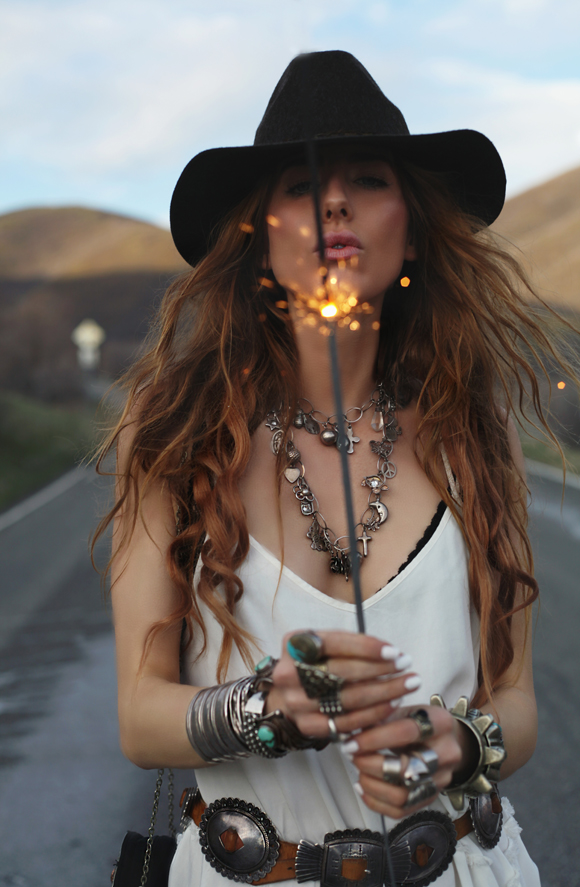 boho outfit with sparkler