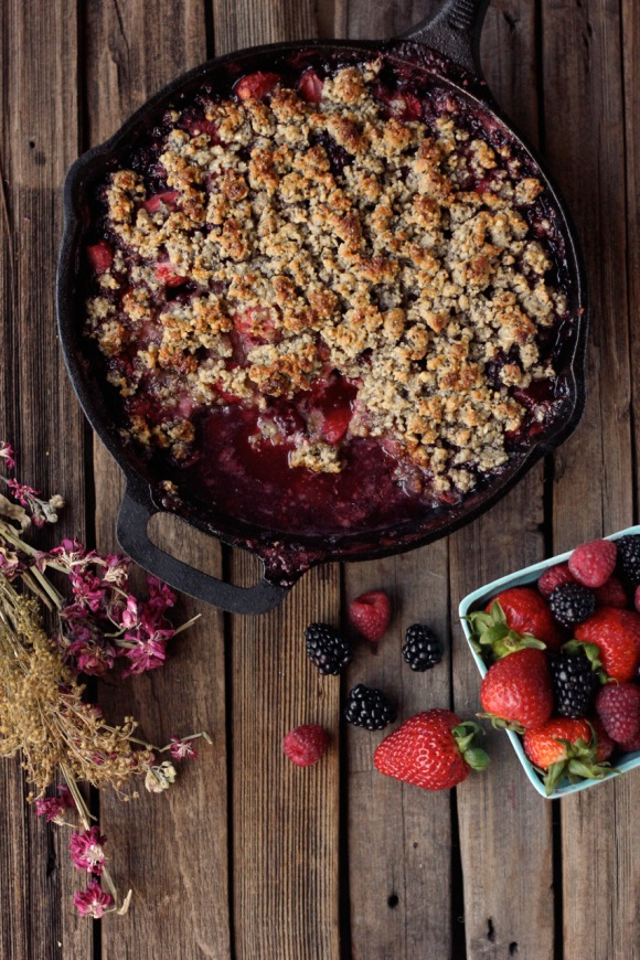 Post image for Grain-Free Mixed Berry Crisp (Vegan)