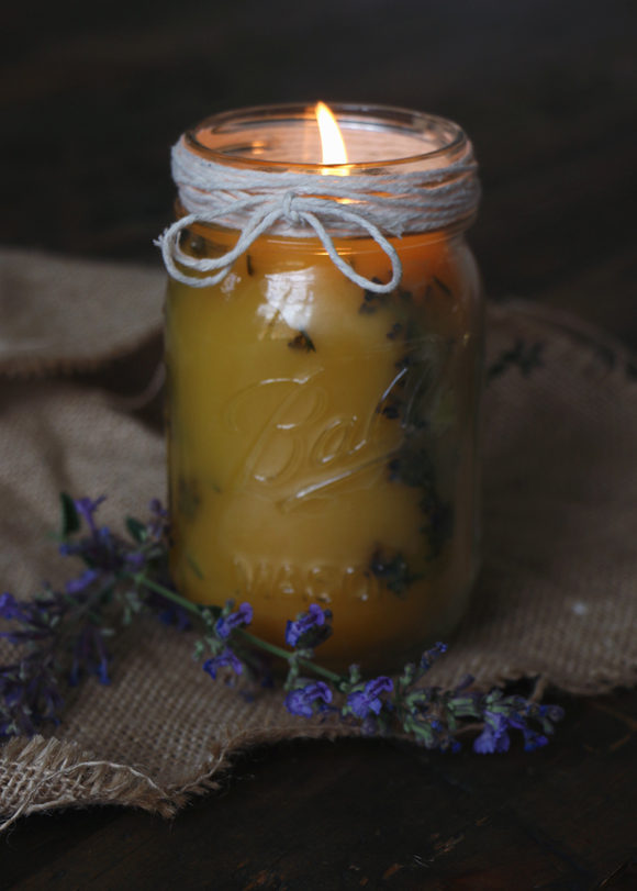 Post image for Summer Meets Fall With Pressed Flower Candles