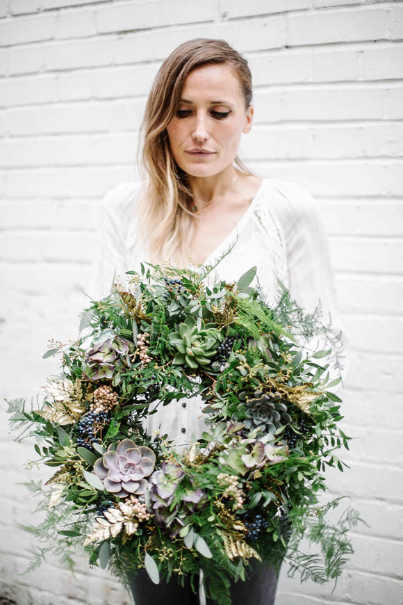 Post image for DIY Holiday Wreath & Interview With Foxgloves & Glory